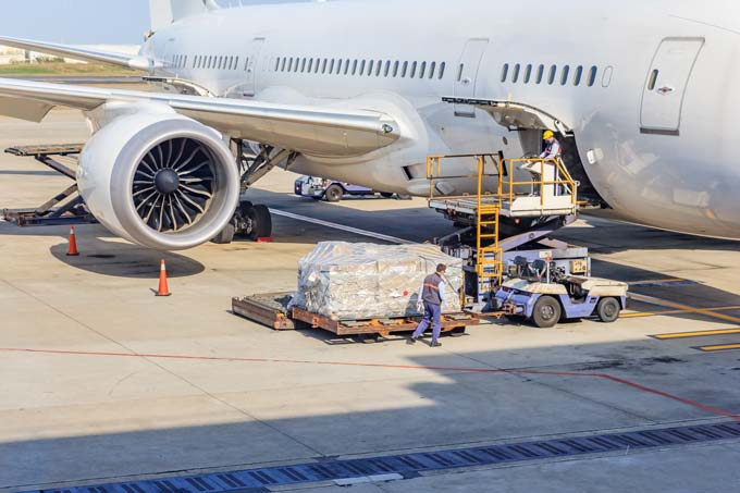 commercial air freight uk